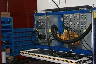 Manutenzione impianti oleodinamici presso stabilimento di Gela